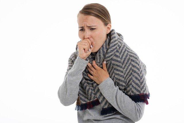 Naučte se efektivně kašlat nejen v období koronaviru